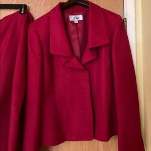 Le Suit 2-piece Red Skirt Suit